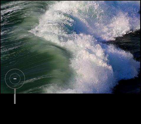 Figure. Image affichant un repère avec un signe moins indiquant la position du pinceau et que l'ajustement est en train d'être apporté avec un pinceau sortant.