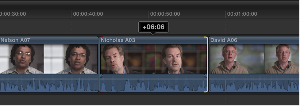 时间线中带有红色开始点的片段,该点表示可用媒体的结尾处