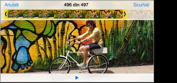 Clip video cu vizualizorul de cadre în partea de sus. Butonul scurtare se află în colțul din dreapta sus.