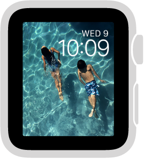 The Photo watch face shows a photo from your synced photo album.