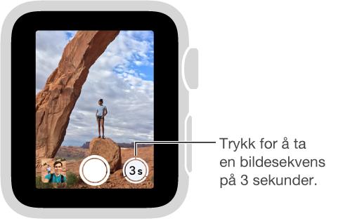 Når du ser på søkeren i Kamerastyring på Apple Watch, ser du nedtellingen nederst til høyre.