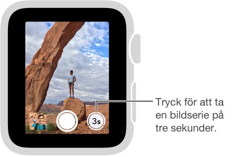När kamerans fjärrsökare visas på AppleWatch finns självutlösarknappen i nedre högra hörnet.